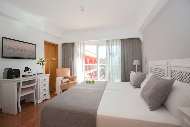 Superior double room with side sea view myseahouse neptuno hotel playa de palma